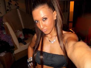Kemberly from New York is looking for adult webcam chat