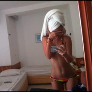 Marica from Burbank, Washington is looking for adult webcam chat
