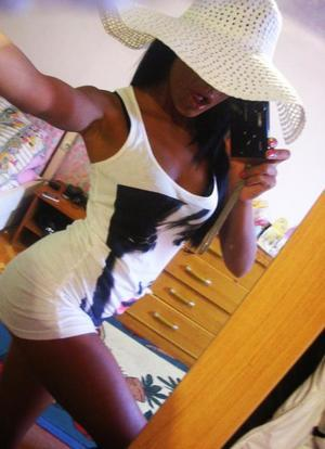 Melodee is looking for adult webcam chat