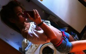 Leoma is looking for adult webcam chat