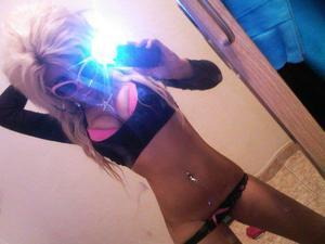 Looking for girls down to fuck? Ivonne from Victor, Iowa is your girl