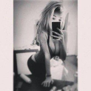 Claudie from Fox Island, Washington is looking for adult webcam chat
